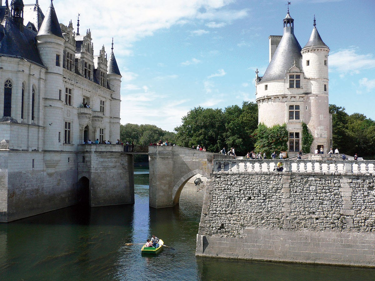 Loire Valley Orl 233 Ans To Saumur Freedom Treks