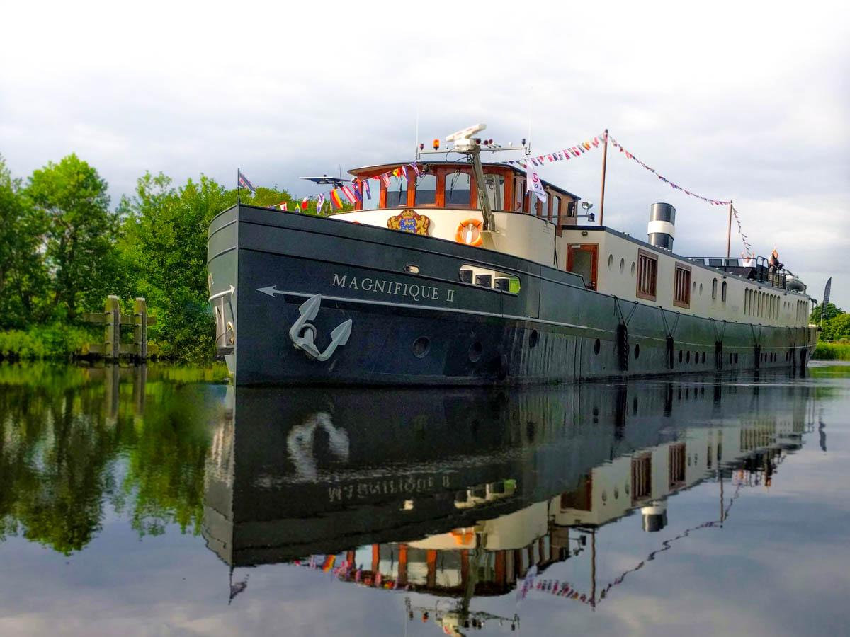 nl038 - MS Magnifique II barge