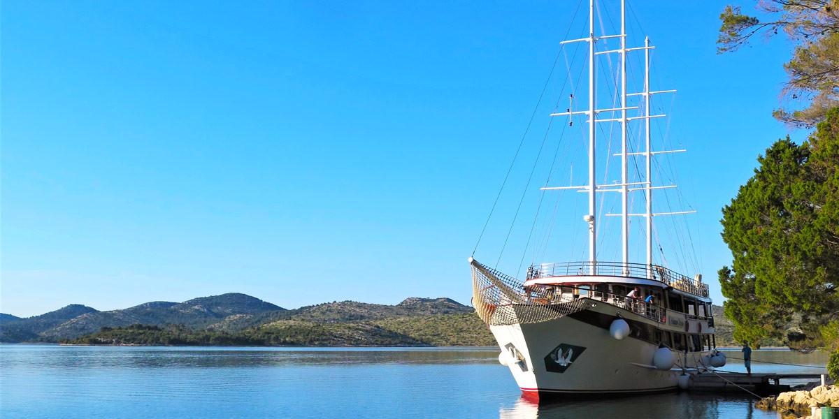 Princeza Diana boat