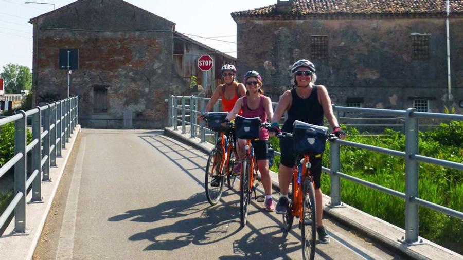 Cyclists in Veneto