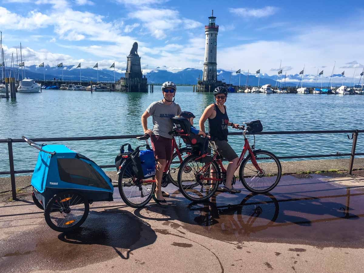 Family cycling Lake Constance cycling