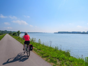 GE022 - Cycling Danube River Tour