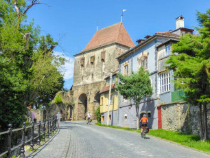 Cycling in to Sighisoara, Romania