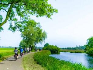 nl038 - Holland cyclists