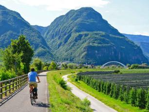 it011 - Cycling Adige path ©ruudslagmolen.nl