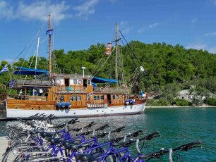 GR002 - Greece Boat & Bike