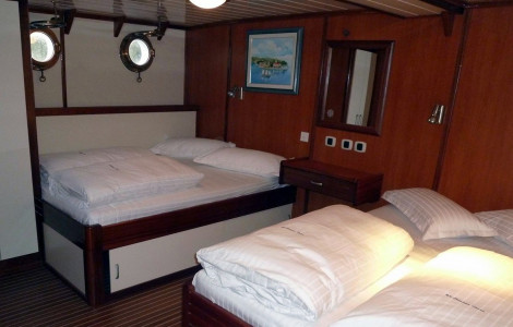 Quadruple Cabin
