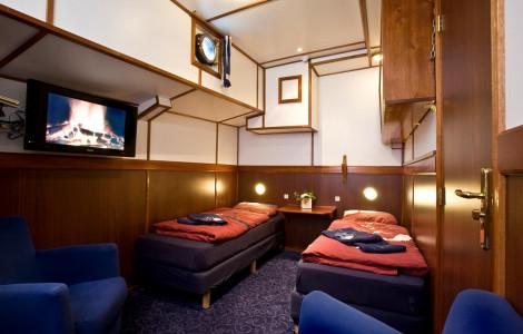 Mare Fan Fryslan - Premium Twin Cabin