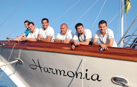Harmonia Crew